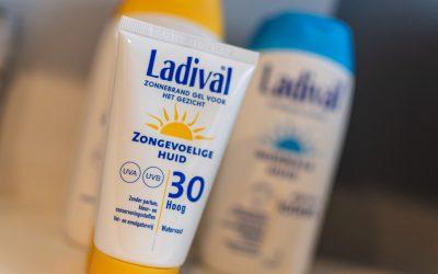 Ladival….veilig genieten van de zon met Ladival zonbescherming.